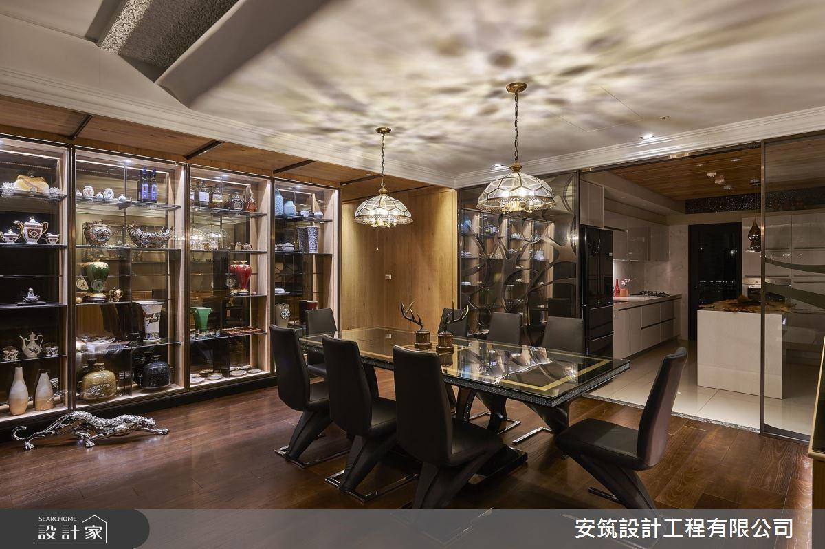 入門大器展示櫃端景,為屋主道出琳瑯滿目的蒐藏品故事。