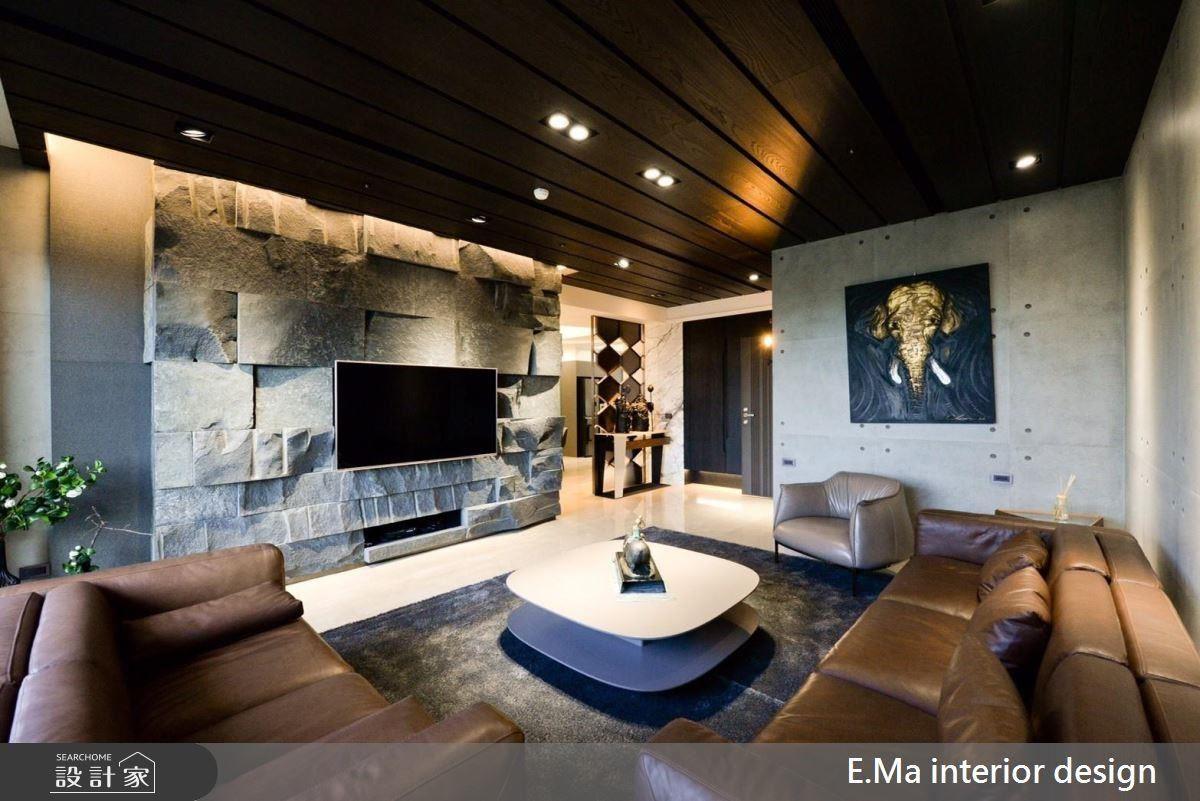 藉材質、色系安排,為居家空間鋪陳出自然生活的原始況味。