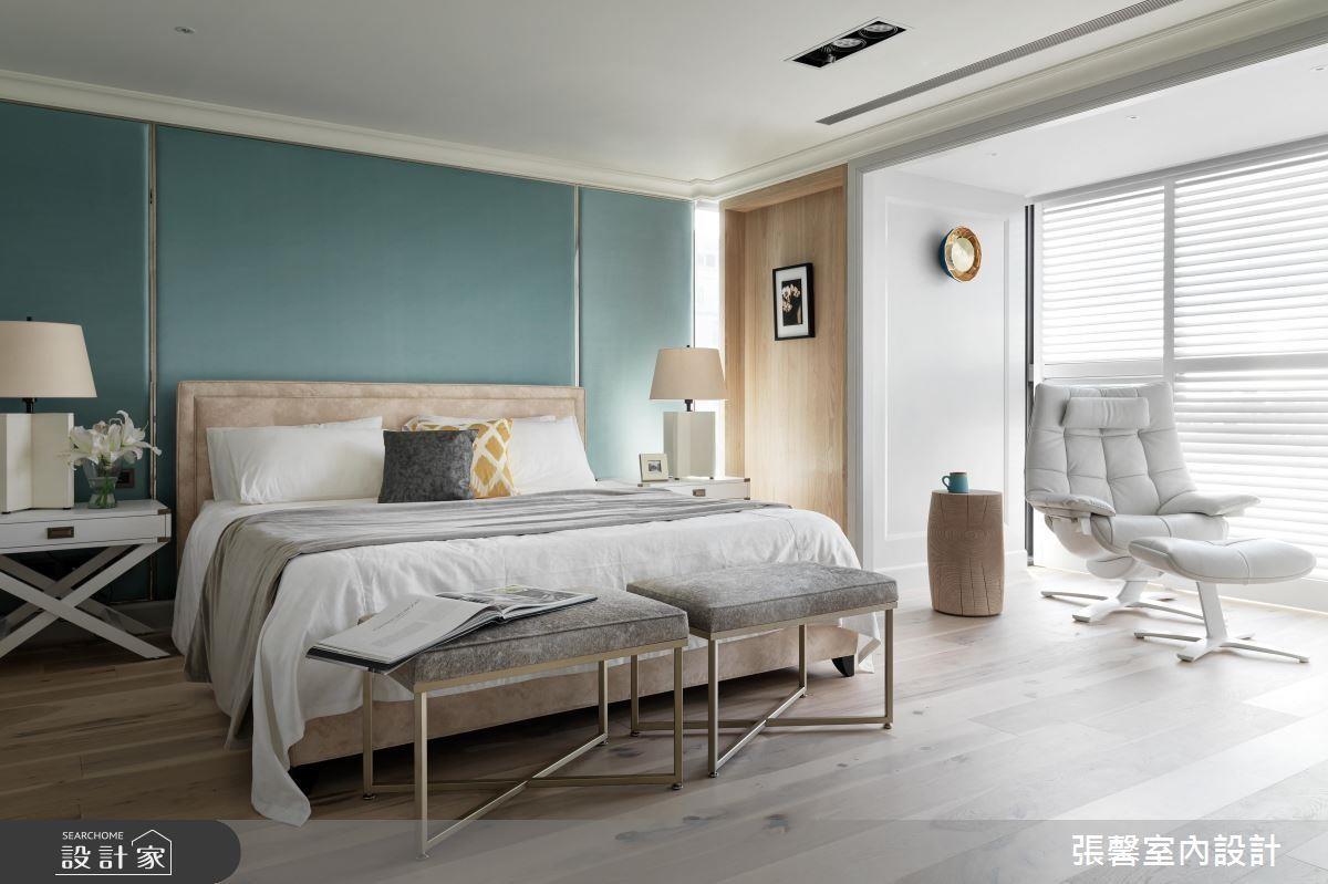 淡雅的藍色系主色配上金屬單椅,讓臥房清爽又不失個人特色!>> 點此看完整圖庫