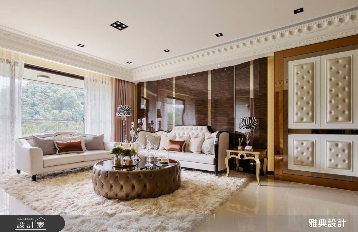 擅長以鑲嵌微奢美學來展現出豪宅氣勢的雅典設計,透過鑲嵌的手法,在開闊的格局中,運用細緻的材質框圍住空間區域,在細節處創造出低調而奢華的感受。