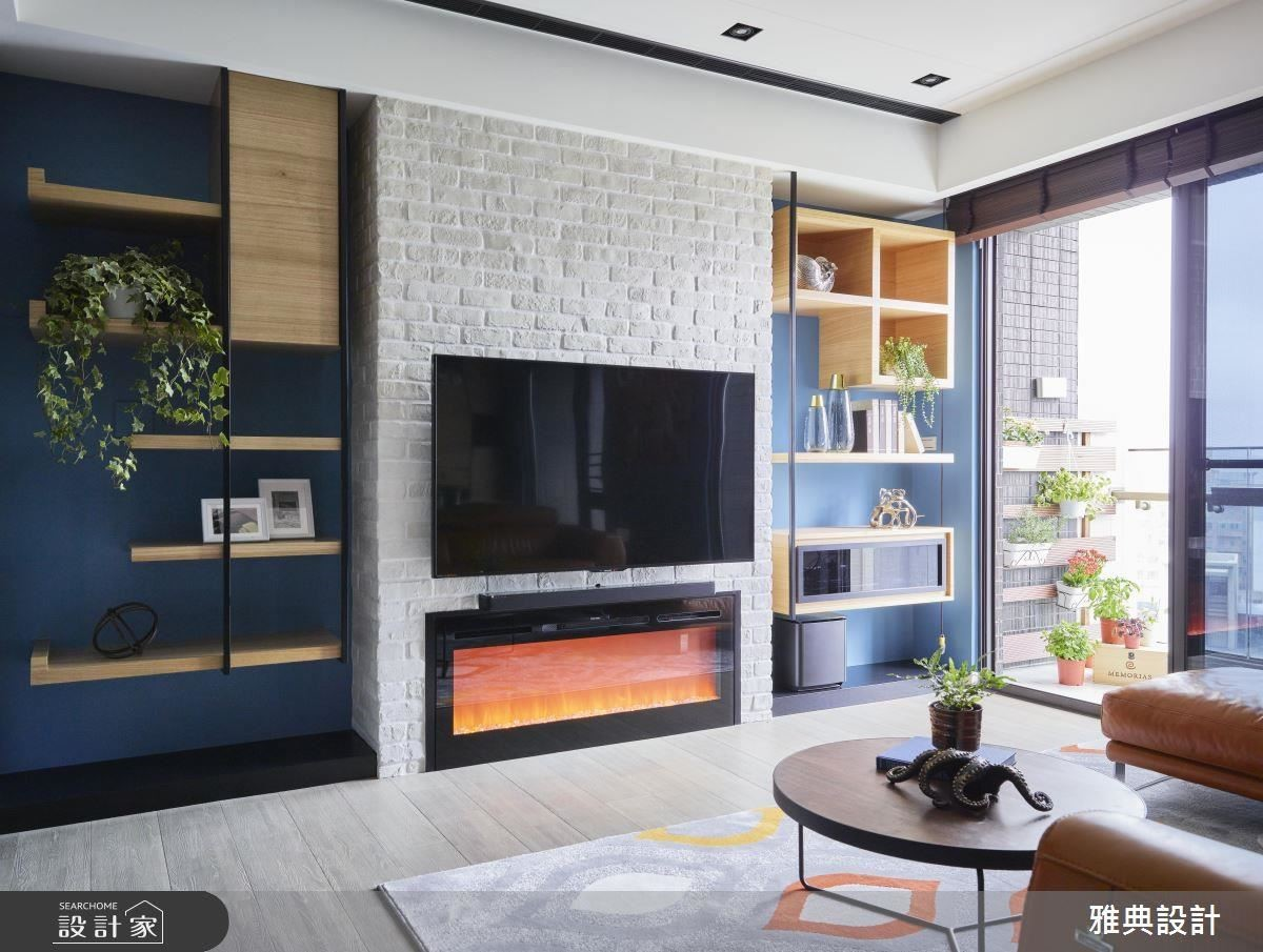 電視牆兩側以客製化造型櫃體,打造趣味活潑景致。