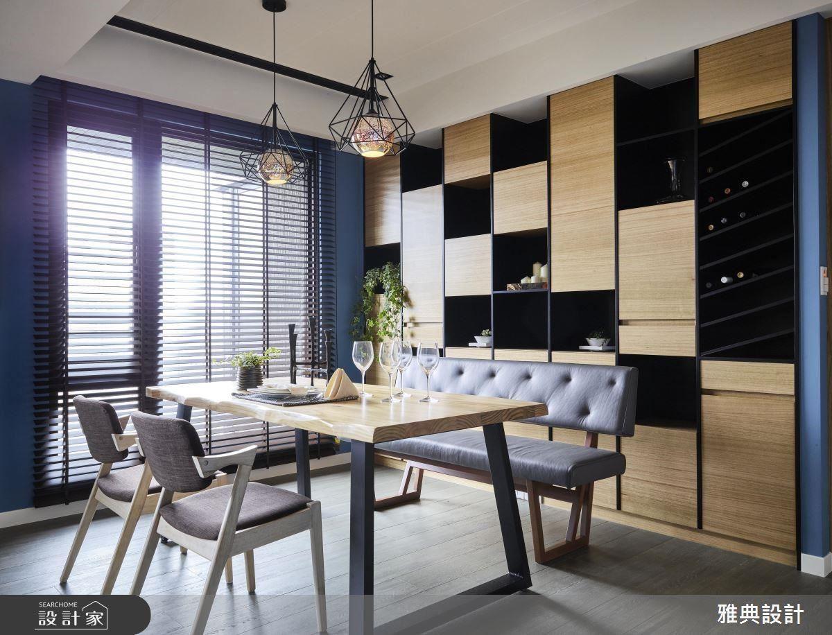 餐廳背牆櫃體,以俐落線條分割,延展空間視覺。