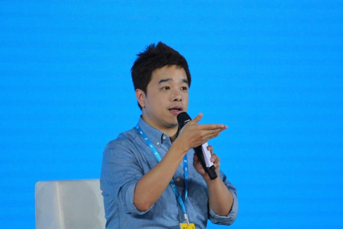 設計家Searchome網站經理楊秉寰於典禮隔天在創新作品分享會進行交流演講。