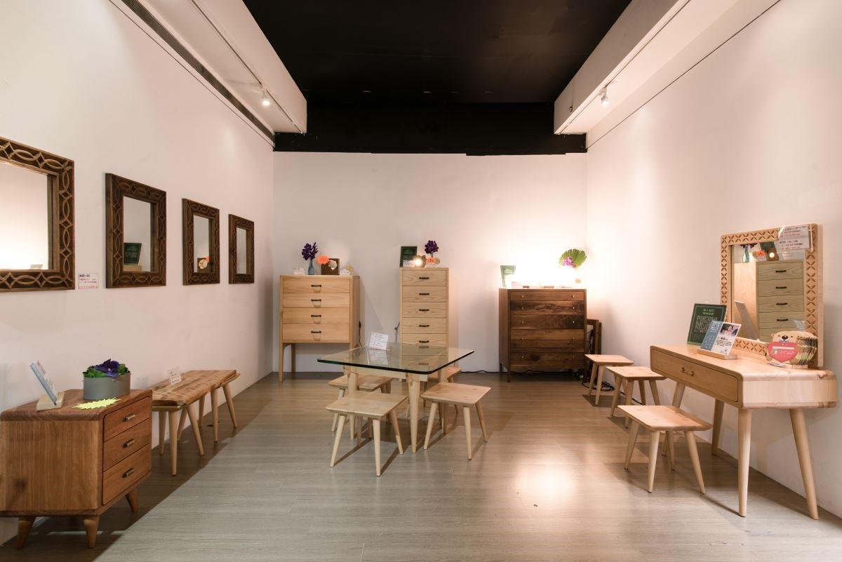 2018年玉東卡本特木工班師生聯展,展覽現場。