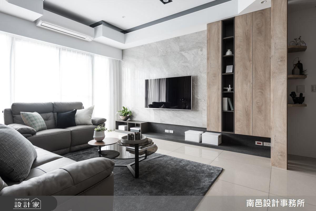 張譯允設計師運用舒適色調,並以材質搭配空間層次,為居家營造幽靜自適的現代魅力。