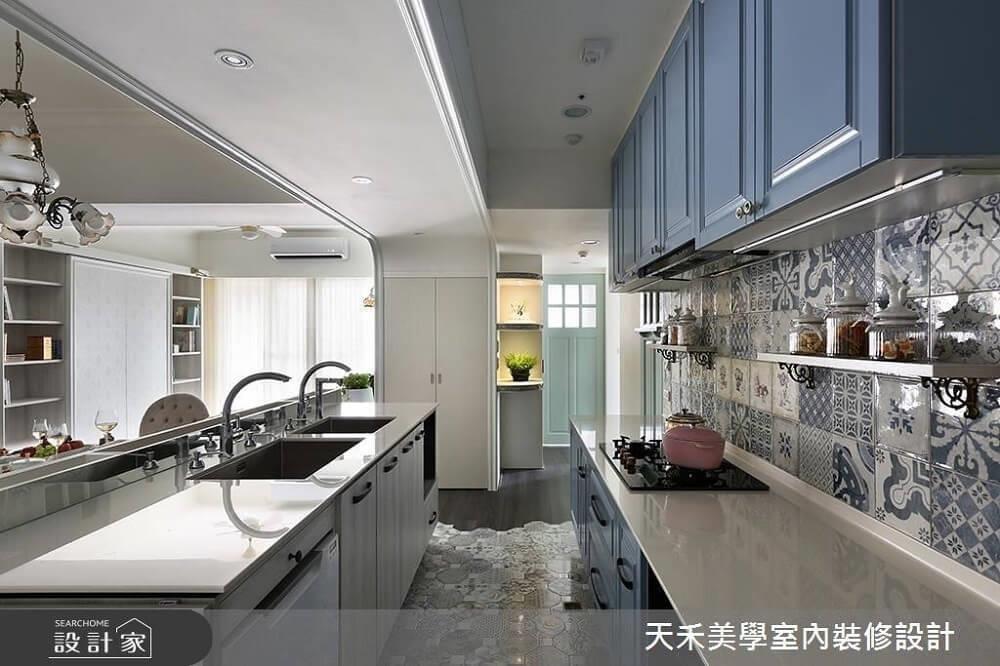 洗滌與烹煮區分別配置於不同檯面上,清楚劃分工作區,煮菜時較不慌亂。>>看完整圖庫