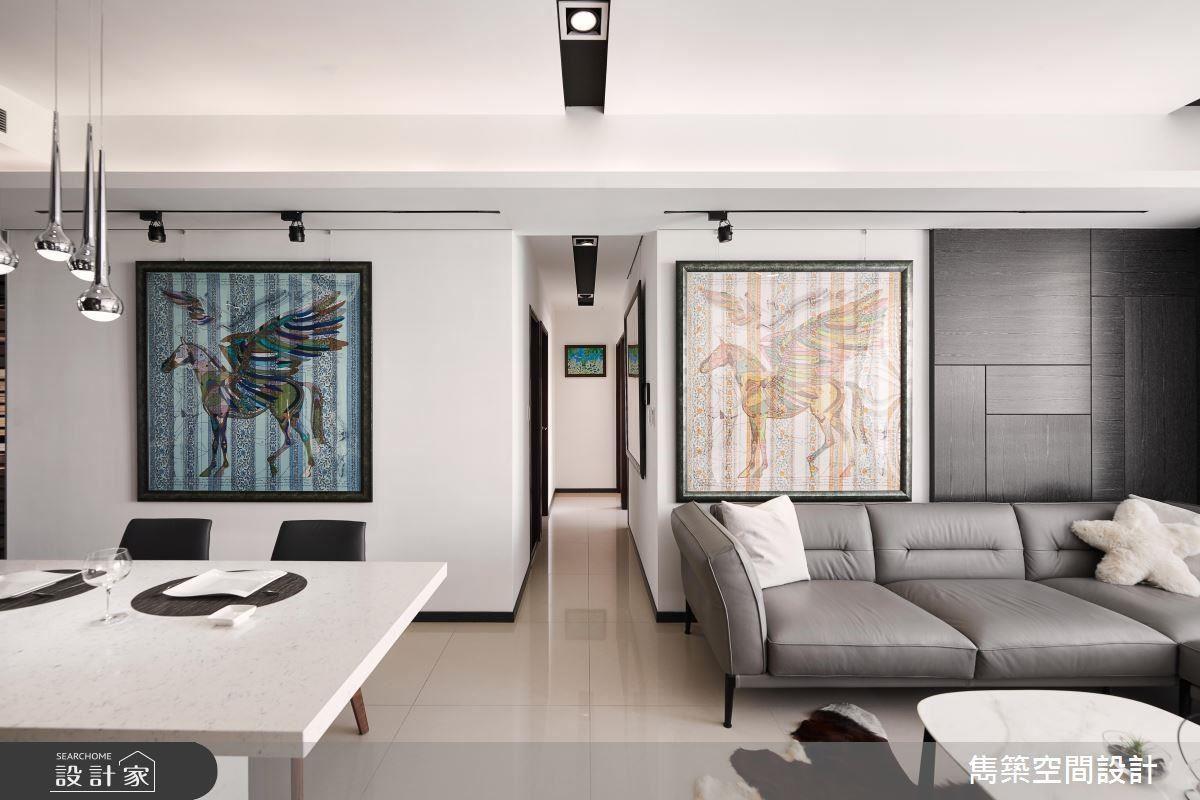 設計師於空間擺設屋主心愛的飛馬收藏畫,使畫作成為居家空間的最佳焦點。