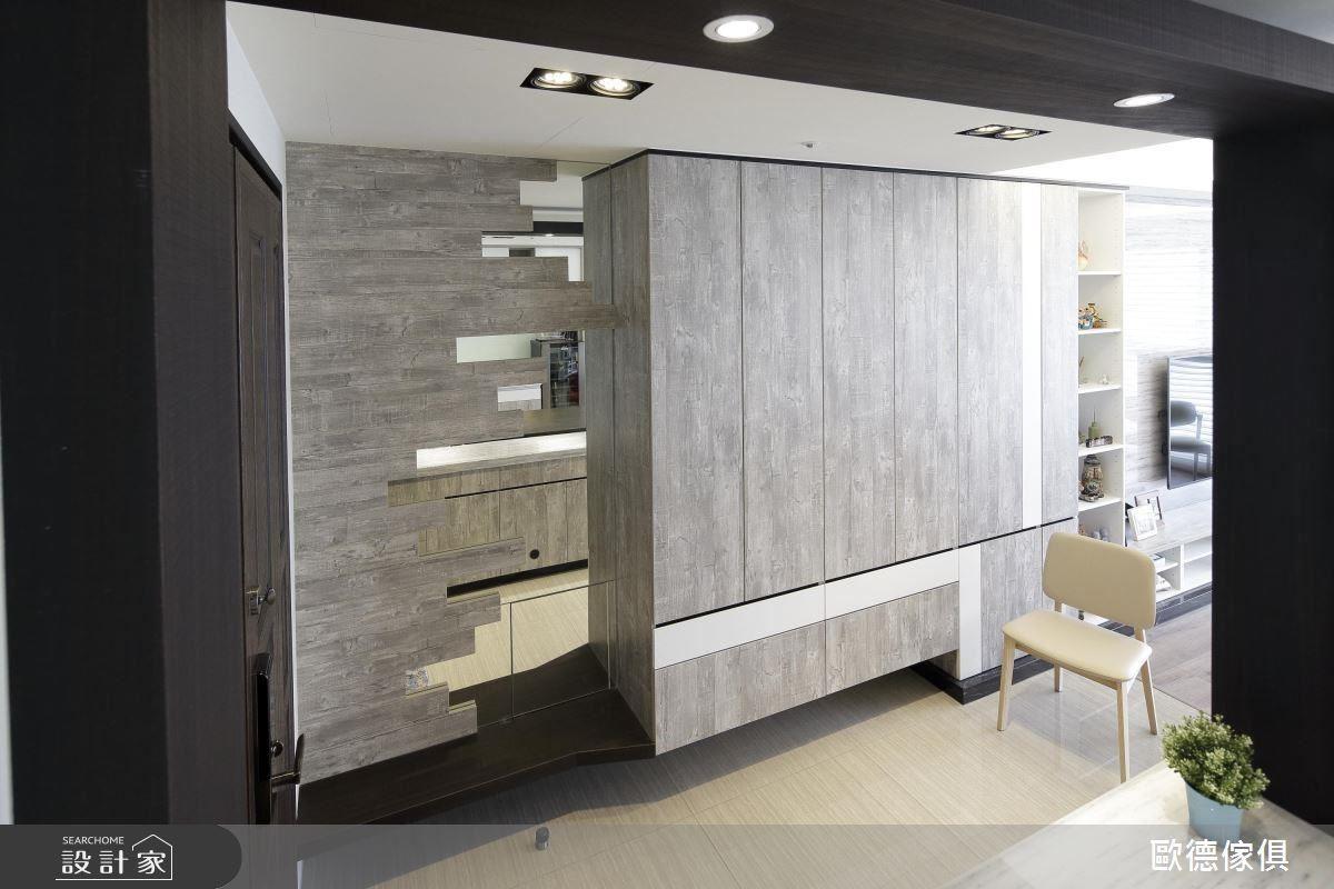 大量採用仿舊木紋板材,為空間營造出復古韻味。