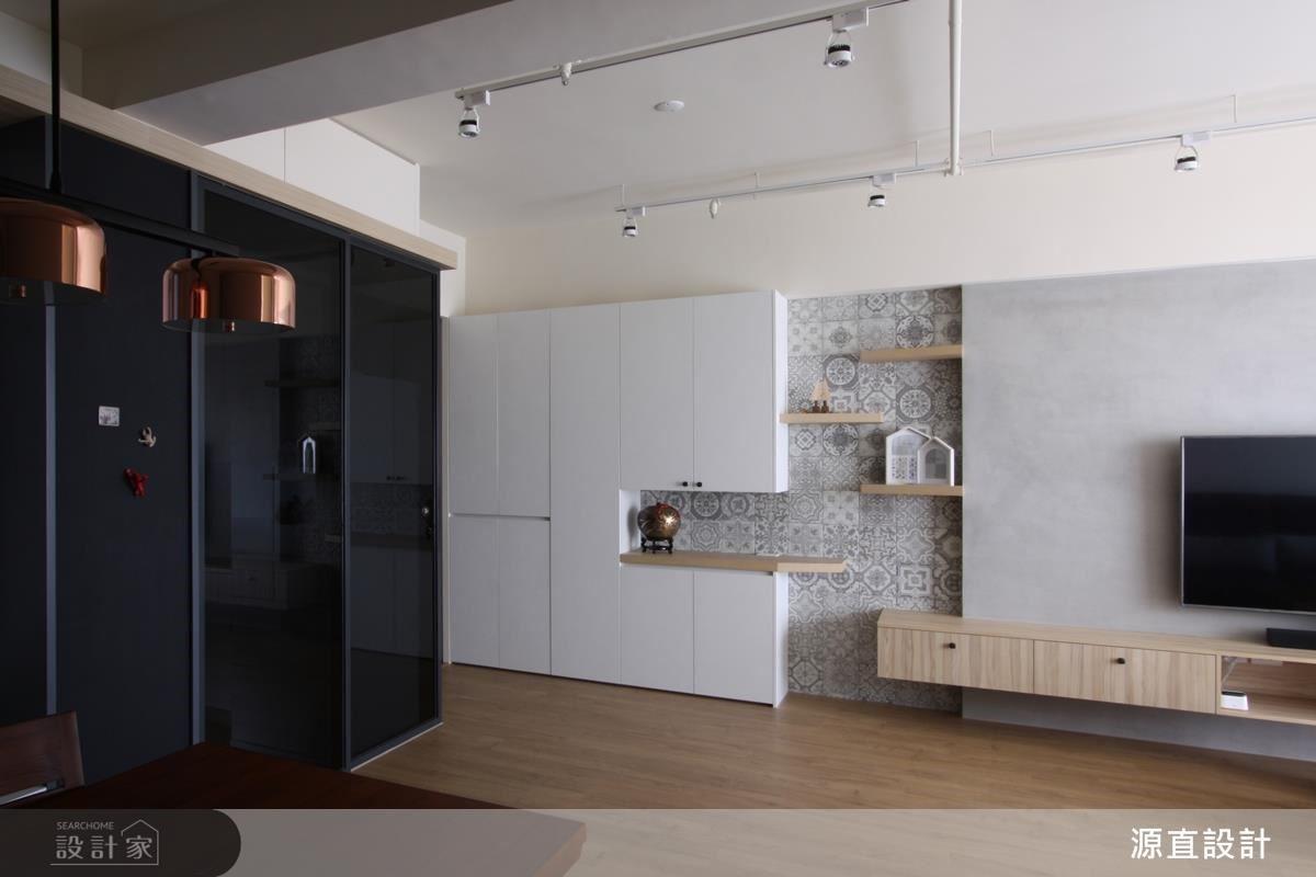 空間整體以黑灰白色調打造樸實無印風,營造舒爽居家氛圍。
