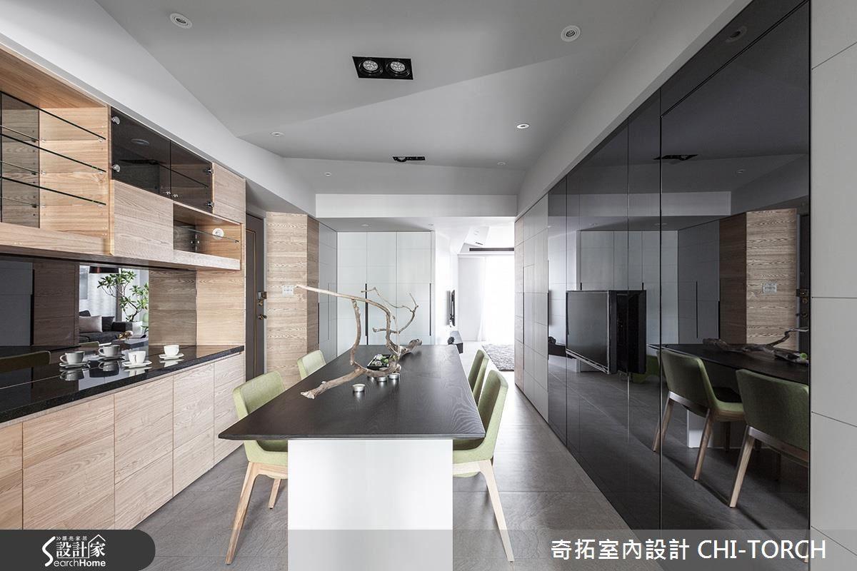 不規則的菱形面天花板,包覆梁柱同時利用幾何線條,構成極具現代風氛圍的清爽空間。