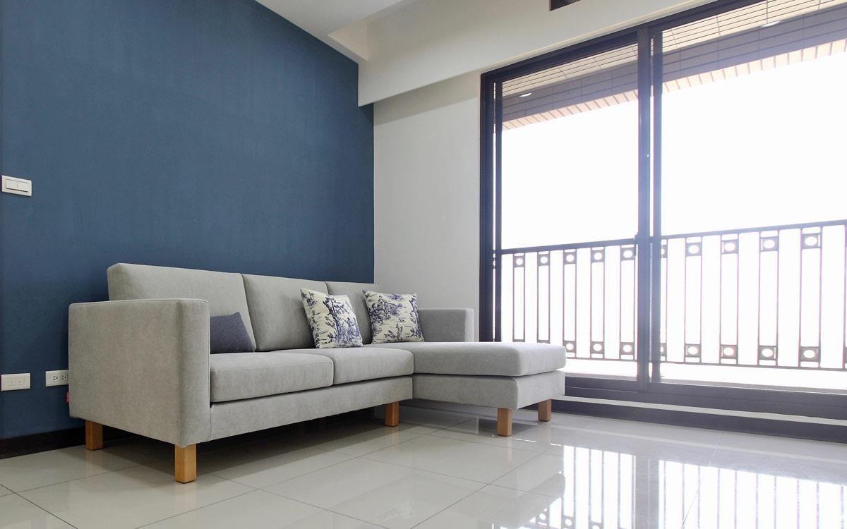 雙子星沙發 2L 加寬,「看沙發牆多寬、沙發就做多大」是最基本的方法。布料使用以色列貓抓布旗艦版。