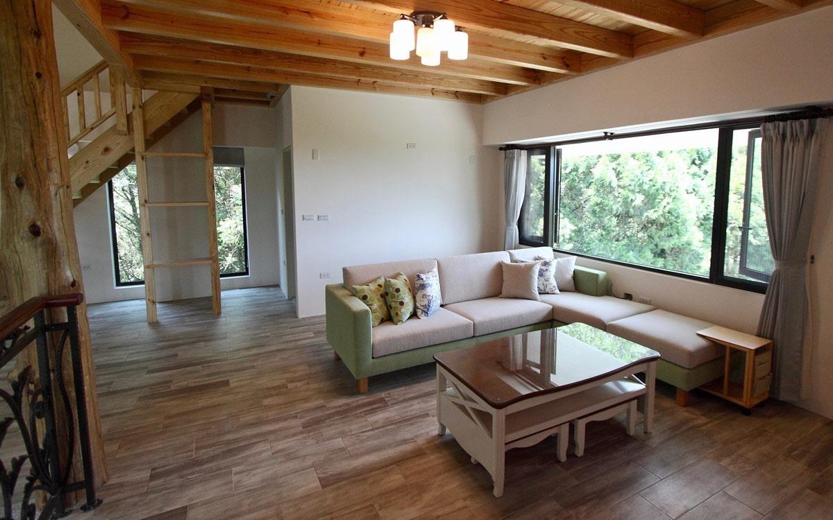 Cube-Net 椅子工廠最受歡迎的熱門款:雙子星沙發,綠色與米色雙搭,超適合搭配木質感家居。