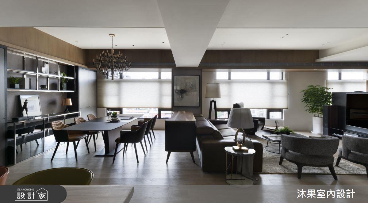 適切注入暖灰、黑色與不鏽鋼,在成熟間帶來溫潤層次,以黑色收邊的餐椅內搭橘色皮面,宛如保時捷的配色,低調呼應了主人的社經地位。