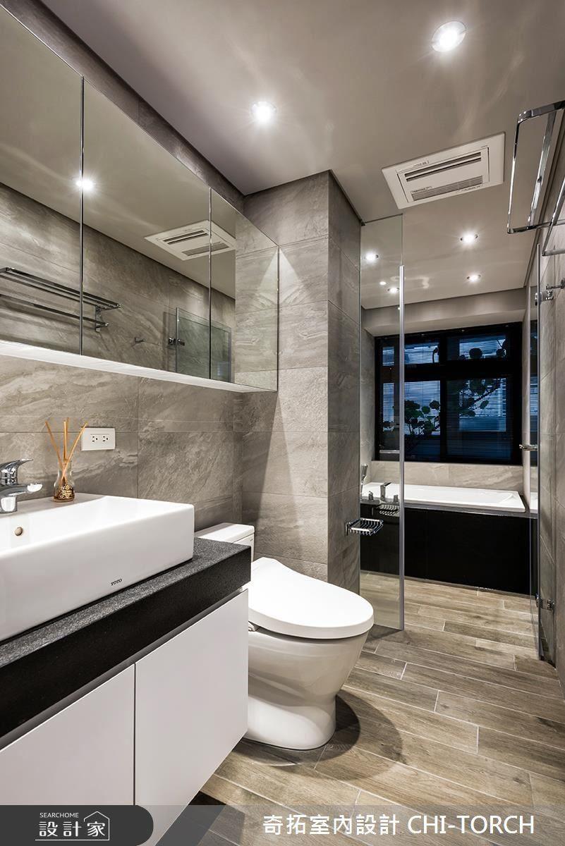 設計師利用明鏡櫃體放大空間尺度,構劃明亮而華麗的飯店風衛浴。