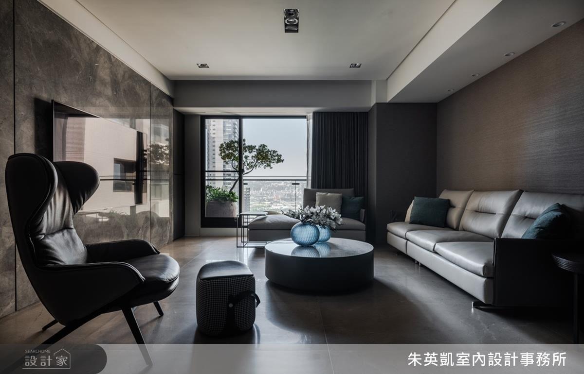 起居室以大地色彩鋪陳,塑造寧靜致遠的相聚空間。