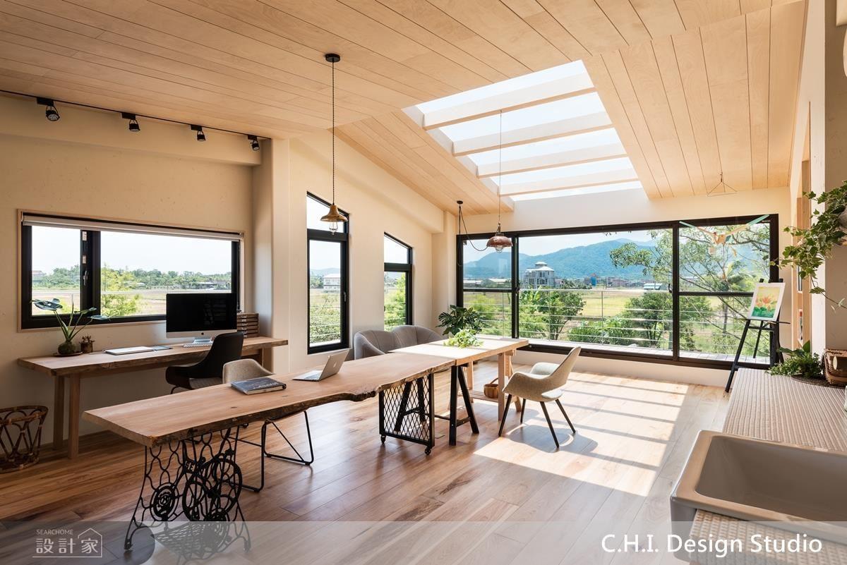 二樓書房空間以天窗設計,讓日晷的變化為空間增添光影層次。