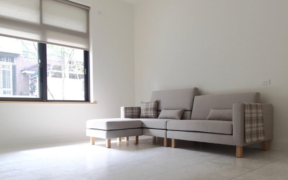 雙子星沙發是 Cube-Net 椅子工廠最熱銷的款式,坐深適中,底部較寬的梯形背墊在腰部提供足夠的支撐。背墊加高墊可以抬高背墊,讓頭部可以倚靠。