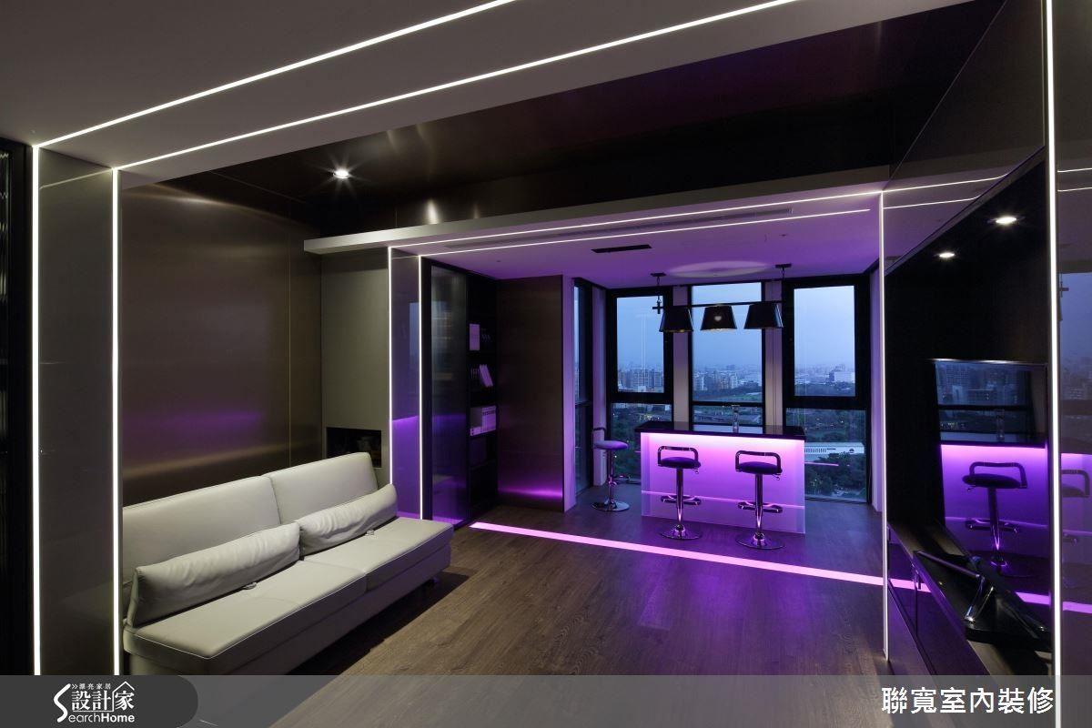 紫色情境,媲美專業的 Lounge bar,當音樂流瀉,令人沉醉。