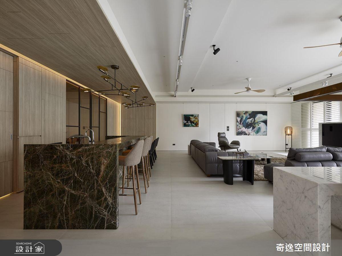 大理石紋搭配木質元素 打造 90 坪大宅低調奢華感 !