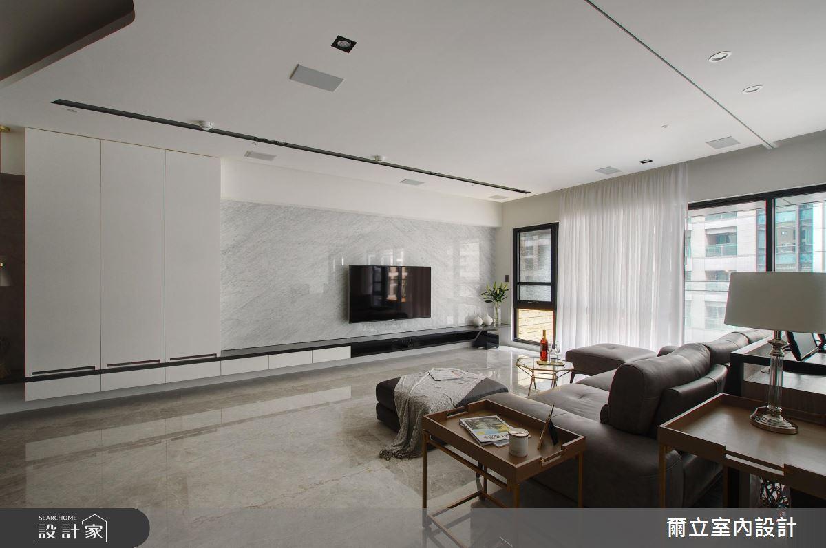 簡約客廳 x 輕古典臥房  一次擁有住宅的雙重個性