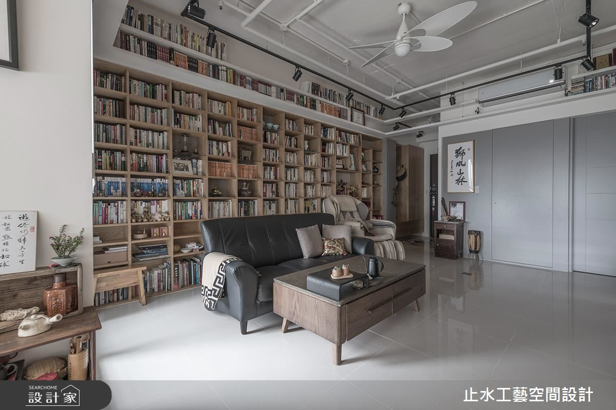 人氣作家夫妻的祕密居家!連天花板也不放過的收納牆設計