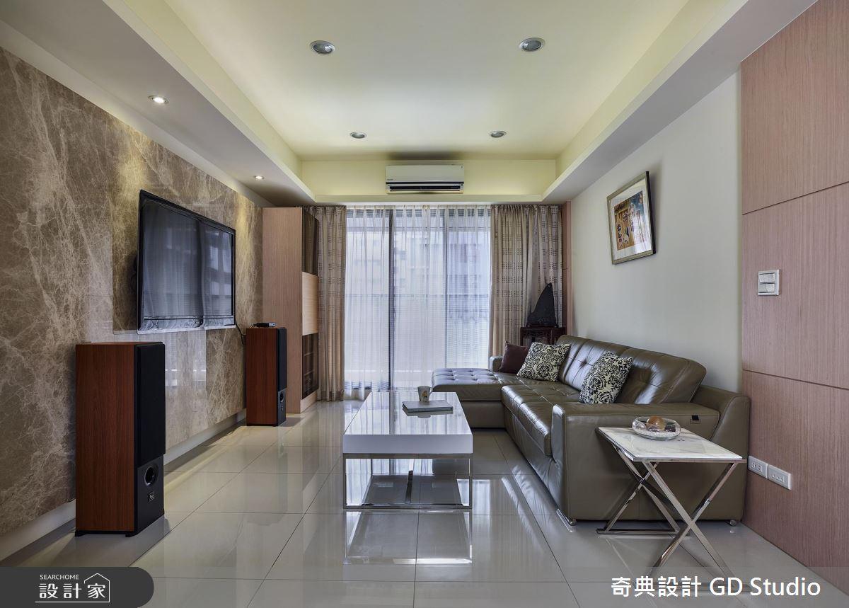 25 坪也有大器方正的好客廳!就用牆面延伸空間感