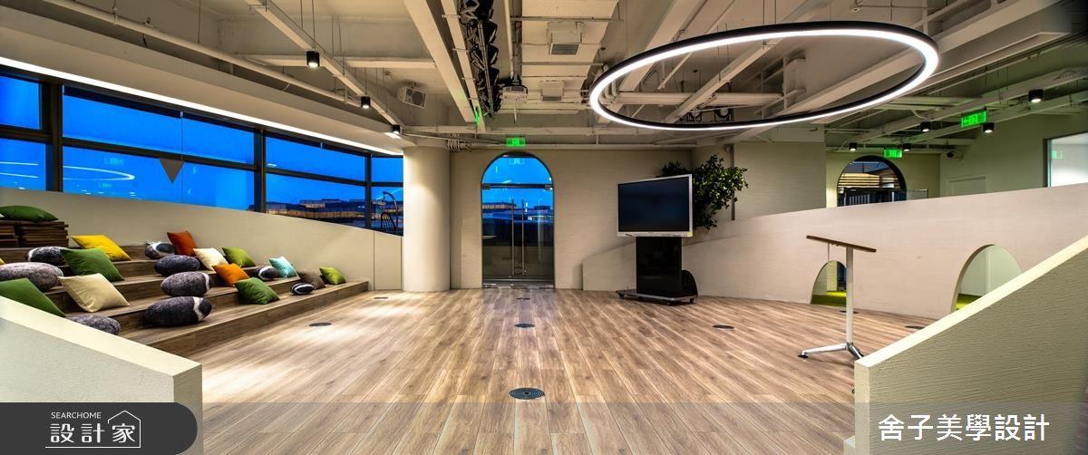 這個商空設計有點潮!設計師把羅馬競技場搬進辦公室