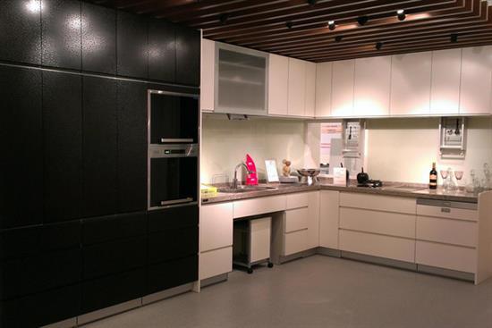 一太e衛廚itai-一太日本原裝黑色浮雕收納櫃+ 白色浮雕L型系統廚具-一太Housetec日本原裝黑色浮雕收納櫃+ 白色浮雕L型系統廚具,一太e衛廚itai,